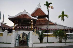Masjid-Kampung-Hulu-Malacca-Malaysia-001.jpg