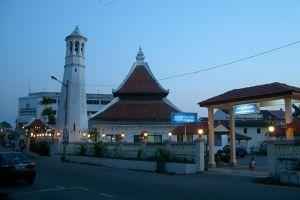 Masjid-Kampung-Hulu-Malacca-Malaysia-002.jpg