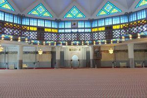 Masjid-Negara-National-Mosque-Kuala-Lumpur-Malaysia-002.jpg
