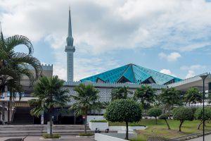Masjid-Negara-National-Mosque-Kuala-Lumpur-Malaysia-003.jpg