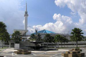 Masjid-Negara-National-Mosque-Kuala-Lumpur-Malaysia-005.jpg