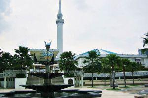 Masjid-Negara-National-Mosque-Kuala-Lumpur-Malaysia-007.jpg