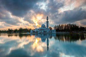 Masjid-Tengku-Tengah-Zaharah-Terengganu-Malaysia-001.jpg