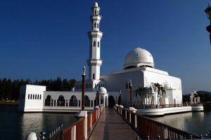 Masjid-Tengku-Tengah-Zaharah-Terengganu-Malaysia-004.jpg