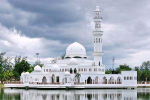 Masjid-Tengku-Tengah-Zaharah-Terengganu-Malaysia-005.jpg