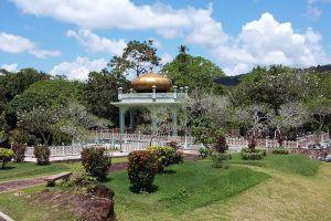 Mausoleum-of-Sultan-Bolkiah-Kota-Batu-Brunei-005.jpg
