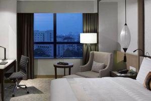 Melia-Hotel-Hanoi-Vietnam-Room.jpg