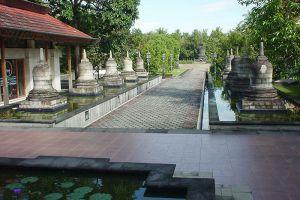 Mendut-Temple-Monastery-Central-Java-Indonesia-002.jpg