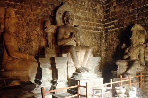 Mendut-Temple-Monastery-Central-Java-Indonesia-003.jpg