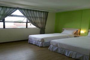 Merlin-Hotel-Penang-Studio-Family.jpg