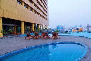 Merlynn-Park-Hotel-Jakarta-Indonesia-Pool.jpg