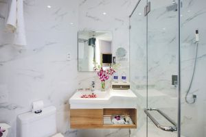 Millennium-Boutique-Hotel-Ho-Chi-Minh-Vietnam-Bathroom.jpg