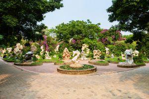 Million-Years-Stone-Park-Pattaya-Crocodile-Farm-Chonburi-Thailand-02.jpg