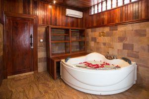 Model-Angkor-Resort-Residence-Siem-Reap-Cambodia-Bathroom.jpg