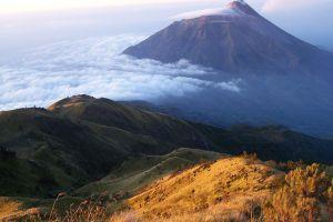 Mount-Lawu-Central-Java-Indonesia-001.jpg