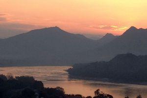 Mount-Phousi-Luang-Prabang-Laos-001.jpg