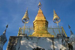 Mount-Phousi-Luang-Prabang-Laos-002.jpg