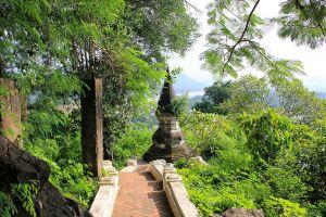 Mount-Phousi-Luang-Prabang-Laos-004.jpg