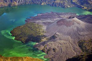 Mount-Rinjani-West-Nusa-Tenggara-Indonesia-002.jpg