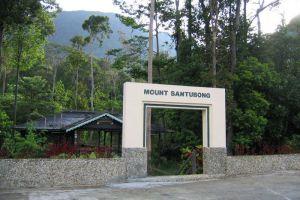 Mount-Santubong-Kuching-Sarawak-Malaysia-005.jpg