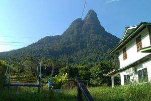 Mount-Santubong-Kuching-Sarawak-Malaysia-006.jpg