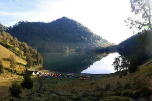 Mount-Semeru-East-Java-Indonesia-002.jpg