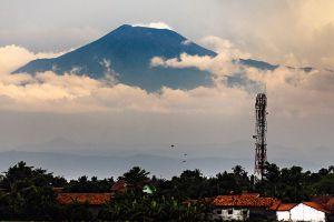 Mount-Slamet-Volcano-Central-Java-Indonesia-003.jpg
