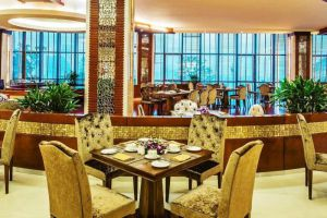 Muong-Thanh-Quang-Ninh-Hotel-Halong-Vietnam-Restaurant.jpg