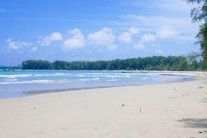 Nai-Yang-Beach-Phuket-Thailand-04.jpg