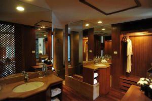 Nakamanda-Resort-Spa-Krabi-Thailand-Bathroom.jpg