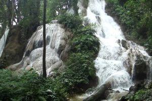 Namtok-Huai-Rong-Phrae-Thailand-01.jpg