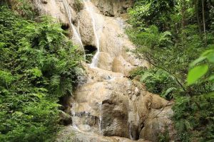 Namtok-Huai-Rong-Phrae-Thailand-02.jpg