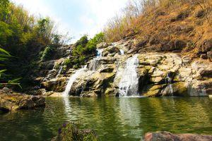 Namtok-Than-Thip-Forest-Park-Petchaboon-Thailand-01.jpg