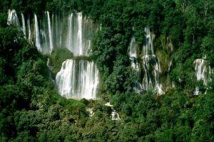 Namtok-Thi-Lo-Su-Tak-Thailand-005.jpg