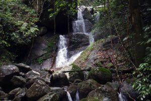 Namtok-Wang-Lung-Song-Rak-Waterfall-Nakhon-Si-Thammarat-Thailand-02.jpg