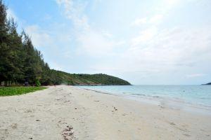 Nang-Rong-Beach-Chonburi-Thailand-05.jpg