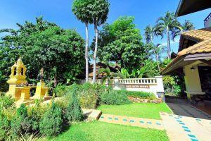 Natien-Resort-Samui-Thailand-Garden.jpg