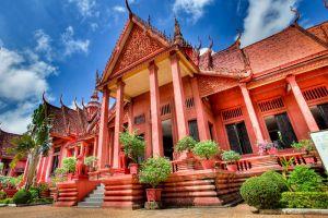 National-Museum-Phnom-Penh-Cambodia-003.jpg