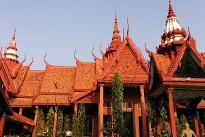 National-Museum-Phnom-Penh-Cambodia-005.jpg