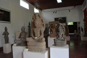 National-Museum-Phnom-Penh-Cambodia-008.jpg