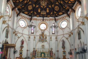 Nativity-of-Our-Lady-Cathedral-Samut-Songkhram-Thailand-05.jpg