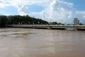 Nawarat-Bridge-Chiang-Mai-Thailand-03.jpg