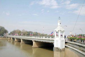 Nawarat-Bridge-Chiang-Mai-Thailand-04.jpg