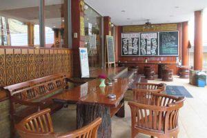 New-Road-Guest-House-Bangkok-Thailand-Exterior.jpg