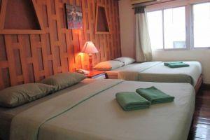 New-Road-Guest-House-Bangkok-Thailand-Room.jpg