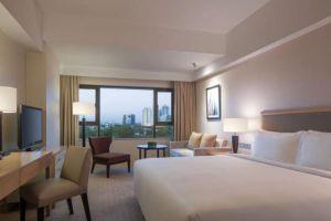 New-World-Makati-Hotel-Manila-Philippines-Room.jpg