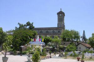Nha-Thrang-Cathedral-Khanh-Hoa-Vietnam-002.jpg