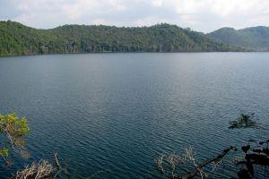 Nong-Fa-Lake-Attapeu-Laos-002.jpg