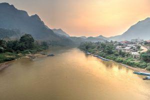 Nong-Khiaw-Luang-Prabang-Laos-002.jpg