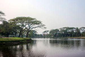 Nong-Krathing-Public-Park-Lampang-Thailand-01.jpg
